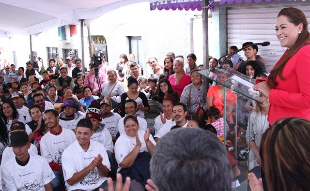 ¡Tere Jiménez promueve superación personal e inclusión social en chavos banda!