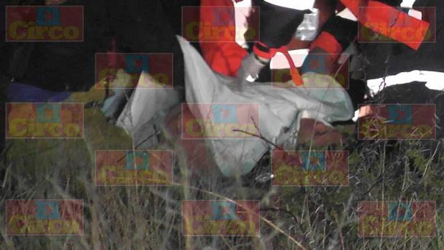 ¡Volcadura de camioneta dejó 1 muerto y 1 lesionada en Fresnillo!
