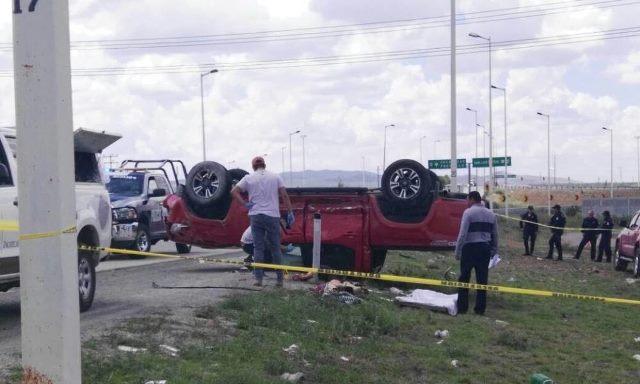 ¡1 muerta y 2 lesionadas dejó choque-volcadura entre 2 camionetas en Guadalupe, Zacatecas!