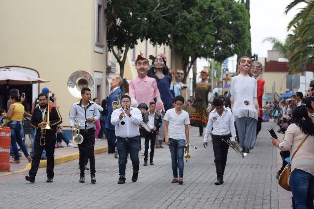 ¡En el día más importante de la Feria de los Chicahuales se realizó el desfile de cultura y tradiciones!