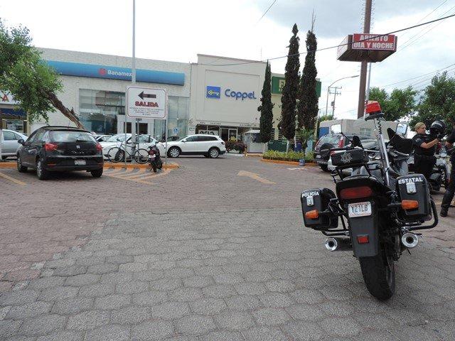 ¡Asaltaron a un cliente de Coppel en Aguascalientes y le robaron $10 mil que iba a depositar!