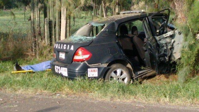 ¡Policía estatal se mató tras estrellarse contra un árbol en Aguascalientes!