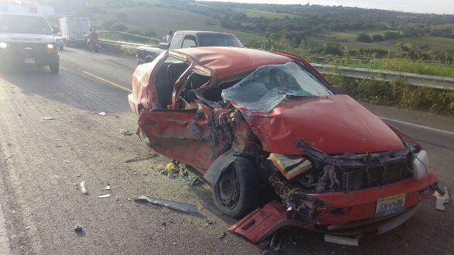 ¡Otro fuerte accidente en la 70 Oriente en Aguascalientes dejó 2 mujeres lesionadas!