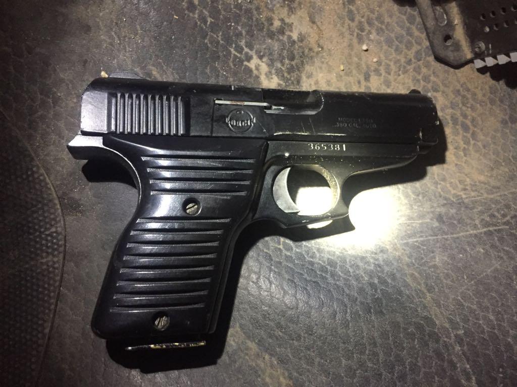 ¡Capturaron a 3 sujetos con un arma de fuego tras realizar varios disparos en Aguascalientes!