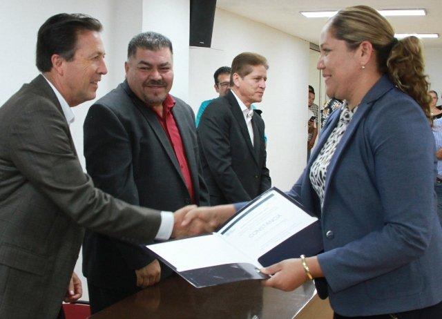 ¡Reconoce IEA a maestros de Aguascalientes por resultados en concurso de oposición!