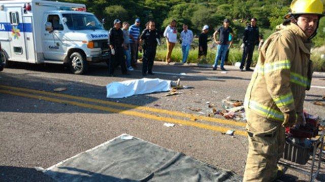 ¡Pavorosa carambola en Aguascalientes dejó 4 muertos y 7 lesionados!