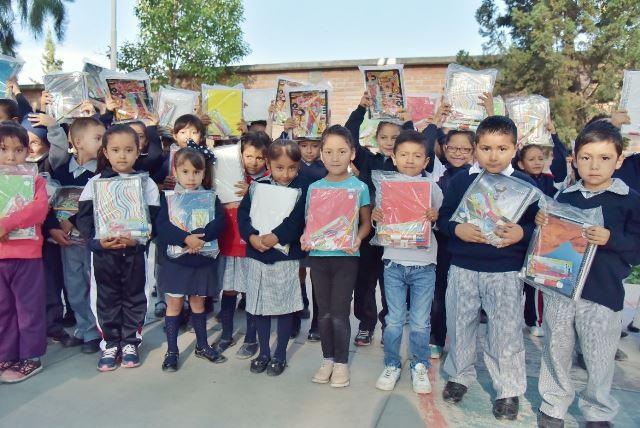 ¡Da Noel Mata muestra de apoyo a la educación!
