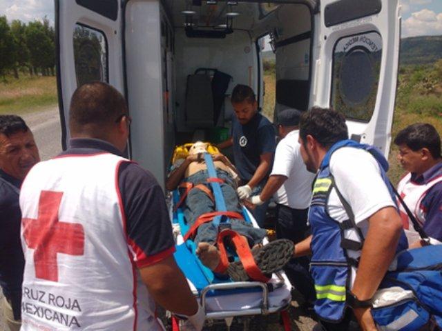 ¡Espectacular carambola en Lagos de Moreno dejó 1 lesionado!