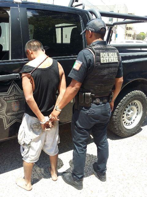¡Detuvieron a sujeto que asaltó a una mujer en Aguascalientes amagándola con un arma blanca!