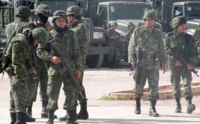 ¡Militares detuvieron a 10 personas y aseguraron un arsenal en Joaquín Amaro, Zacatecas!