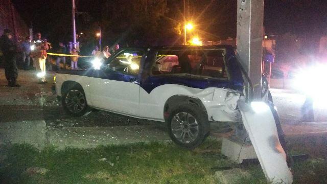 ¡Camioneta fue embestida por el tren en Encarnación de Díaz y el chofer salió ileso!