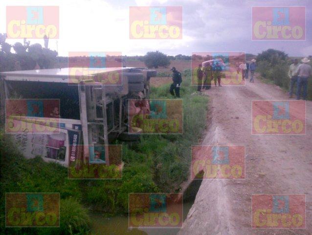 ¡Emboscaron, balearon y asaltaron a repartidores de leche en Sombrerete, Zacatecas!