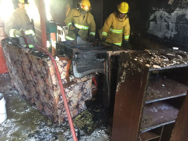 ¡Bomberos estatales sofocaron un incendio domiciliario en Aguascalientes!