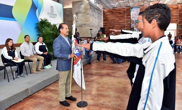 ¡El gobernador abanderó a la delegación de deportistas que participará en la Paralimpiada Nacional 2017!