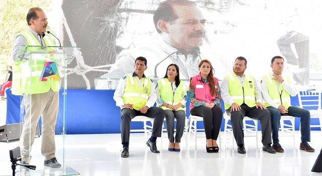 ¡Anuncia gobernador inversión de 20mdp para pavimentación de carreteras con el uso de la rielera!