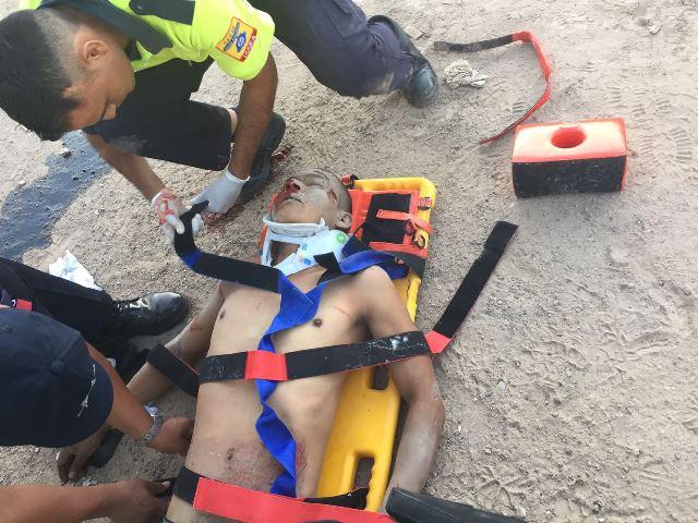¡Joven murió arrollado por una camioneta que fue chocada por otra conducida por un zacatecano en Aguascalientes!
