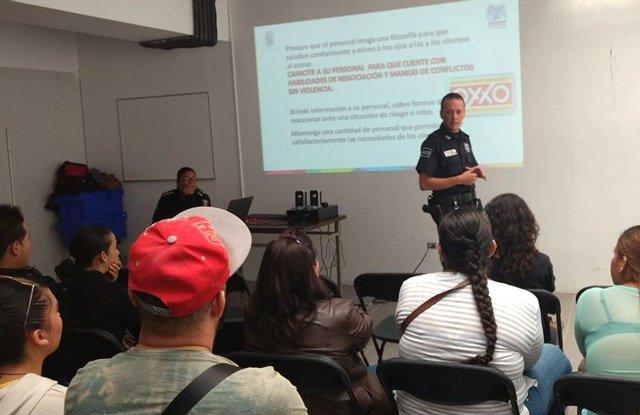 ¡Refuerza Municipio de Aguascalientes capacitación para prevenir robos en tiendas de conveniencia!