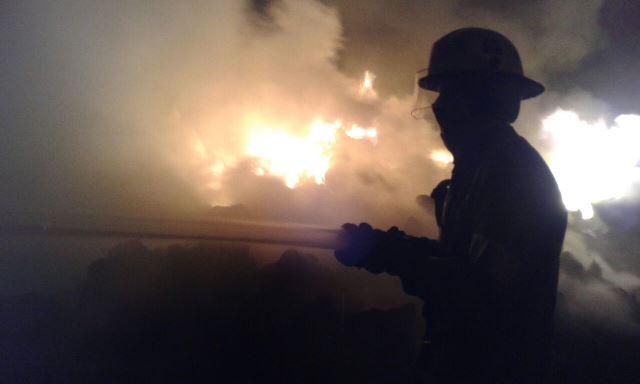 ¡Se incendia recicladora en la colonia Trojes de Alonso en Aguascalientes!