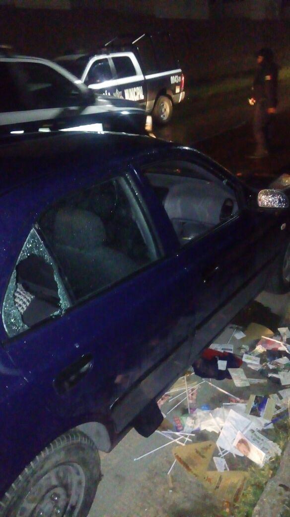 ¡Detuvieron a 2 sujetos que cristalearon un auto de un policía estatal y le robaron su uniforme en Aguascalientes!