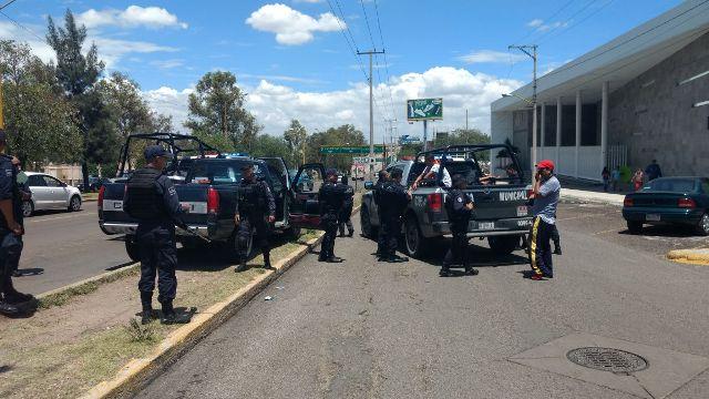 ¡Tras una persecución detuvieron a 2 robacoches en Aguascalientes!