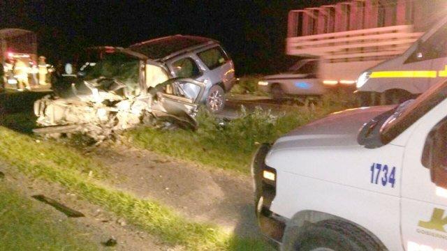 ¡1 muerto y 2 lesionados tras el choque-volcadura entre 2 camionetas en San Juan de los Lagos!