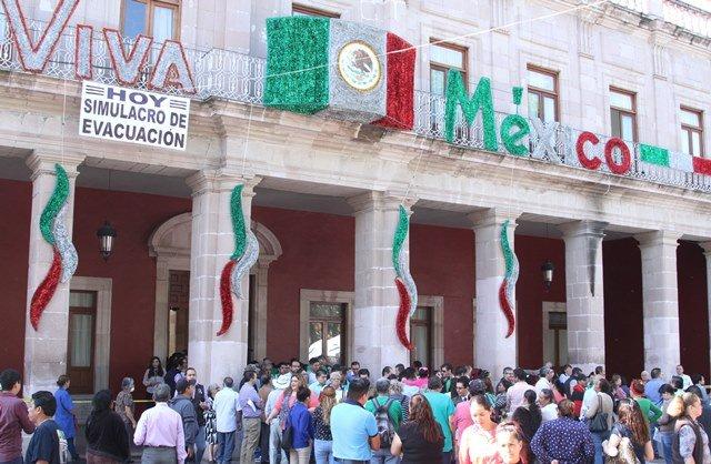 ¡Se realiza simulacro conmemorativo por el Día Nacional de Protección Civil en el municipio de Aguascalientes!