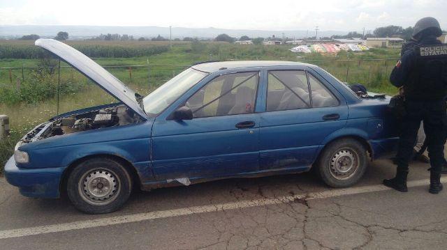 ¡Detuvieron a 2 sujetos con un automóvil robado en Aguascalientes!
