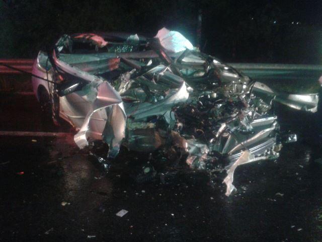 ¡2 muertos y 1 lesionada tras espantoso accidente en Aguascalientes!