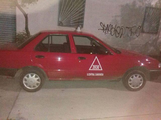 ¡Taxista fue asaltado en Aguascalientes y despojado del auto de alquiler!