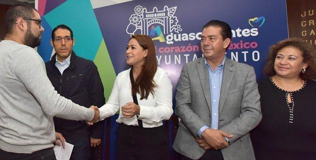 ¡Reafirma alcaldesa Tere Jiménez compromiso con hijos de migrantes!