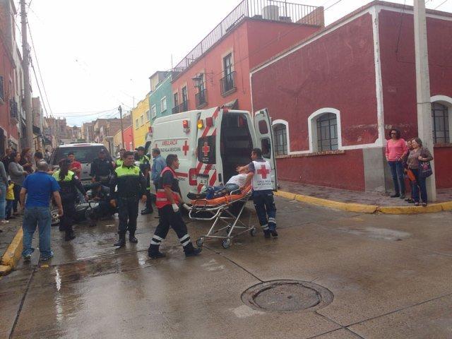 ¡Motociclista lesionado tras ser chocado por otro en Lagos de Moreno!