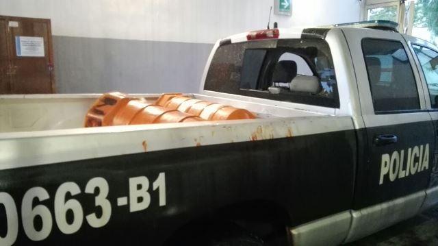 ¡A prisión mujer que golpeó a su hijo, a su madre y a policías municipales en Aguascalientes!