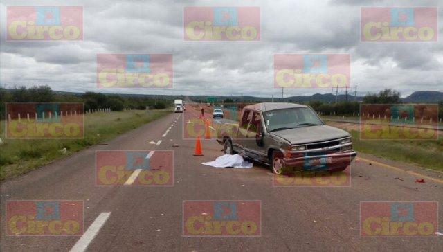 ¡Volcadura de camioneta dejó 2 muertos y 5 lesionados en Pánfilo Natera, Zacatecas!