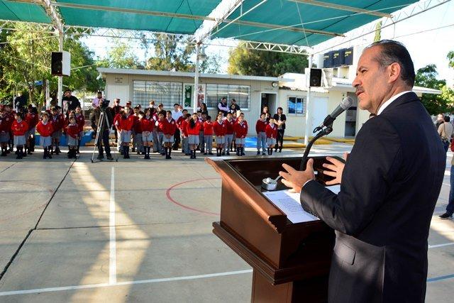 ¡El gobernador del estado inició la entrega de recursos del programa de apoyo a las aportaciones escolares!