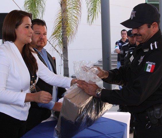 ¡Llama Tere Jiménez a policías municipales a redoblar esfuerzos en beneficio de las familias de Aguascalientes!