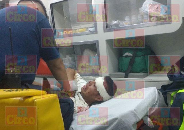 ¡Joven alcoholizado lesionado tras una caída de su propia altura en Lagos de Moreno!