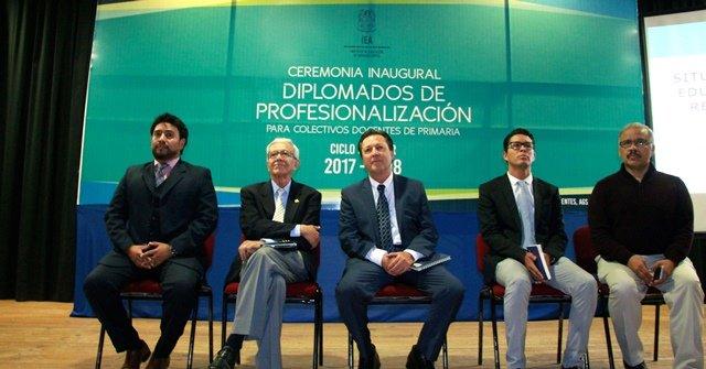 ¡Maestros de primaria participan en diplomados de profesionalización!