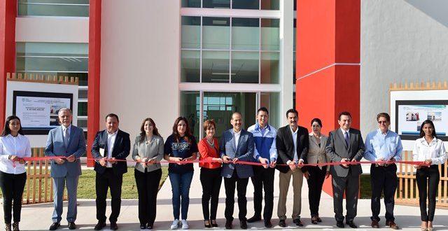 ¡Entrega el gobernador a la UTR un laboratorio multidisciplinario por 20mdp en su 5° aniversario!