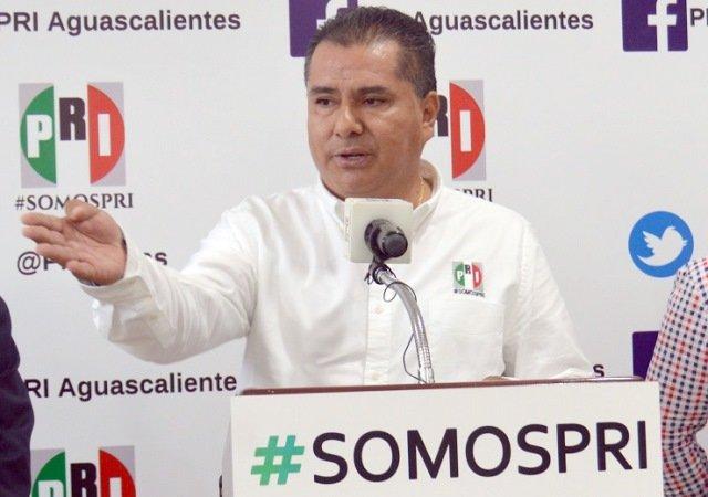 ¡Reprobado Martín Orozco en el curso propedéutico de su primer año de gobierno!