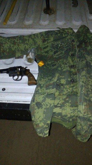 ¡2 detenidos, arma de fuego y drogas aseguradas en Guadalupe, Zacatecas!