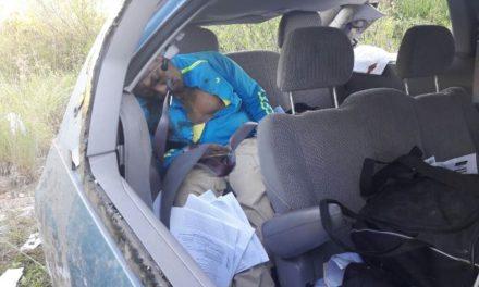 ¡1 muerto y 2 lesionados del Estado de México dejó volcadura de una camioneta en Aguascalientes!