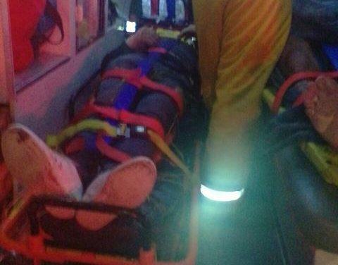 """¡Volcadura de """"vochito"""" en Aguascalientes dejó 1 muerto y 5 lesionados!"""