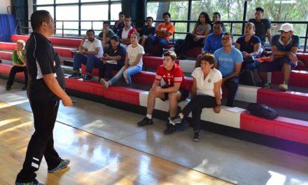 ¡IDEA imparte clínica para entrenadores de voleibol!