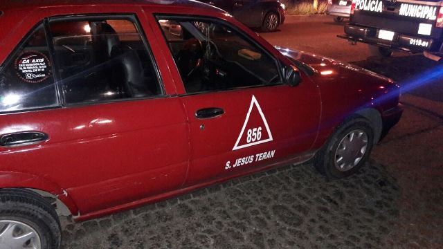¡Tras persecución detuvieron a pareja que asaltó a un taxista en Aguascalientes!