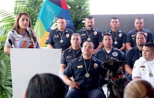 ¡Condecora alcaldesa Tere Jiménez a héroes que ya forman parte de la historia en Aguascalientes!