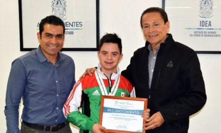 ¡El IDEA reconoció a Alejandro Gutiérrez Rudiño, campeón mundial en ParaTaeKwondo!