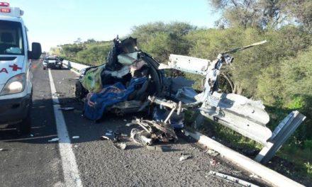 ¡5 muertos en espantoso accidente en la autopista Lagos de Moreno-San Juan de los Lagos!