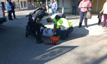 ¡Mujer lesionada tras ser atropellada por una camioneta de una compañía telefónica en Aguascalientes!