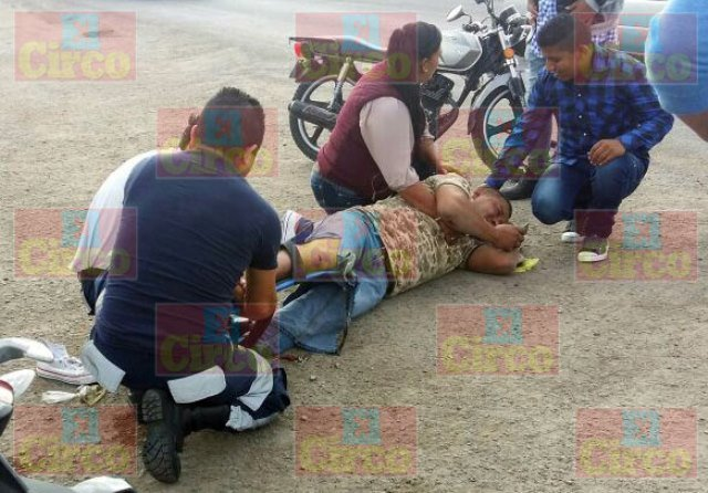 ¡Policía de San Juan de los Lagos lesionado tras ser embestido por una camioneta en Lagos de Moreno!