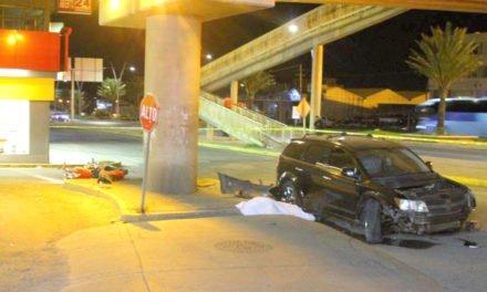 ¡Motociclista murió embestido por una camioneta conducida por un menor de edad en Guadalupe, Zacatecas!